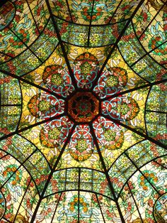 Dome of stained glass in the Colón Theater - Buenos Aires Argentina Leaded Glass, Stained Glass Art, Stained Glass Windows, Mosaic Glass, Stained Glass Church, Dome Ceiling, Glass Ceiling, Art Nouveau, Beautiful Architecture