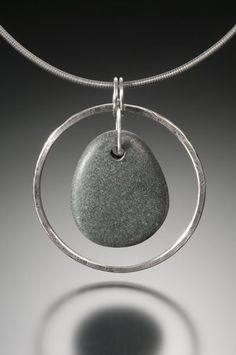 Circle Stone Necklace w/Pear shaped beach stone silver smooth pebble sleek looking pendant Rock Jewelry, Sea Glass Jewelry, Wire Jewelry, Pendant Jewelry, Jewelry Crafts, Jewelry Art, Beaded Jewelry, Jewelry Necklaces, Jewelry Design