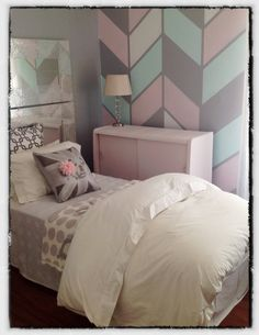 Teenager bedroom. Pastels. Pink. Teal. Silver. By clutterbox