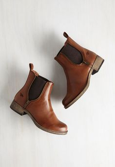 Casual Influence Boot in Cognac. Ever since uniting with these cognac brown Rocket Dog booties, youve assembled a myriad of low-key looks to accompany them. Source by ayelliott Boots Dog Booties, Bootie Boots, Shoe Boots, Fall Booties, Brown Booties, Autumn Boots, Brown Ankle Boots Outfit, Cute Ankle Boots, Brown Leather Ankle Boots