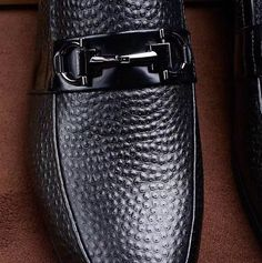 Discount Ferragamo Gancini Loafer Shoe fast shipping with good service, you had made a good choice, original packing with tags and labels. Loafer Shoes, Loafers Men, Men's Shoes, Dress Shoes, Mens Slippers, Shoe Collection, Baskets, Men's Fashion, Oxford Shoes