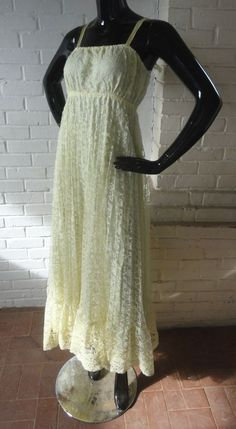 Dawn Doll/'s Dancing Dress,Gold and White with Bluefish Green And Gold