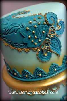 This week I am thrilled to introduce my favorite of the Fall 2015 Pantone picks - Biscay Bay. This rich shade of teal radiates both a masculine and feminine Peacock Wedding Cake, Indian Wedding Cakes, Amazing Wedding Cakes, Amazing Cakes, Indian Weddings, Paisley Wedding, Blue Weddings, Pretty Cakes, Beautiful Cakes