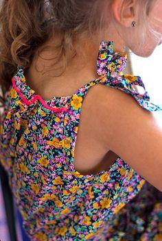 novamelina  #liberty #of #london #fabric #john #handmade #kids #clothes Liberty, Crochet Necklace, London, Fabric, Kids, Handmade, Clothes, Fashion, Tejido
