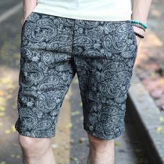 2013 summer new Japanese Retro Paisley cotton Slim Korean fashion men's shorts… Korean Fashion Men, Boy Fashion, Mens Fashion, Fashion Outfits, Paisley, Retro, Swagg, Style Guides, Dress To Impress