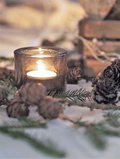 Vaahtokarkkia ja Salmiakkia: Christmas table