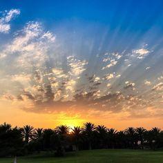 Das Leben ist einfach. Fügen Sie einfach einen Caravia Beach Sunset hinzu  🌞 life is simple... just add a Caravia Beach Sunset #sunsetstories #kos #greece #caraviabeach 🌐 | caraviabeach.gr/en/     📱  | 2242041291     📷@roland.schaal Kos, Beach Pool, Beach Hotels, Greece, Activities, Sunset, Fall, Outdoor, Simple