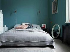 Deco chambre bleu canard 30 id es d am nagement ne pas manquer garcon marine co . Blue Bedroom, Master Bedroom, Bedroom Decor, Bedroom Furniture, Paint Companies, Paint Brands, Interior Stylist, Interior Design, Simple Interior