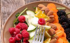 10 assiettes healthy bonnes pour la santé (mais pas que) ! 🤪  #Buddhabowl #fruits #healthy #nutrition #alimentation #minceur Courses, Fruit Salad, Nutrition, Dinner Plates, Bowls, Lenses, Side Dishes, Eat Healthy, Fruit Salads