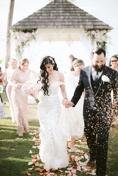 Montana Wedding, Lace Wedding, Wedding Dresses, Beach Resorts, Villa, Rustic, Fashion, Wedding, Moda