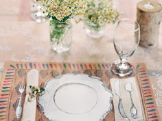 Good tips and etiquette for a rehersal dinner! Who to Invite! At the very least, the rehearsal dinner guest list includes immediate family (parents and siblings), wedding-party members and their spouses or significant others