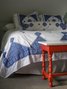 Among a variety of styles of bedroom decoration, modern designs have drawn big attention. They often come with sleek, simple, yet clean impression. Cozy Bedroom, Bedroom Decor, Bedroom Ideas, Primark Home, New England Farmhouse, French Country Cottage, Hallway Decorating, Minimalist Bedroom, Dining Room Design