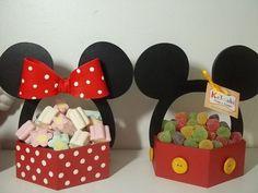 Minnie y Mickey Mouse, fiesta infantil - Dale Detalles Fiesta Mickey Mouse, Theme Mickey, Mickey Mouse Cake, Mickey Mouse Parties, Mickey Party, Mickey Mouse Clubhouse, Mickey Mouse Birthday, Decoration Minnie, Cake Birthday