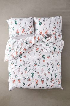 Shop Georgina Stems Duvet Set at Urban Outfitters today. Duvet Covers Urban Outfitters, Cute Bedding, Floral Bedding, Floral Bedroom Decor, Bohemian Bedding, Unique Bedding, Modern Bedding, Cozy Bed, Design Furniture