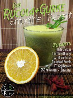 Grüner Smoothie mit Rucola, Gurke, Orange und Goji-Beeren