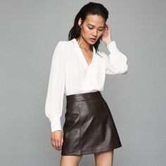 Birdie White V-Neck Blouse – REISS : The birdie v-neck blouse in white plays its part in our iconic blouses Girl Tied Up, My Shopping List, White V Necks, V Neck Blouse, Reiss, Shirt Blouses, Trendy Outfits, High Fashion, Leather Skirt