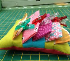 """I never know what to do with my wonder clips, they rattle around in the bottom of my sewing bag, and so I got to thinking """"If only there was..."""