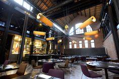 Wij maken u wegwijs in het rijke culinaire landschap van Gent: een kleine greep uit het grote aanbod met deze 17 adressen waar het lekker toeven is.
