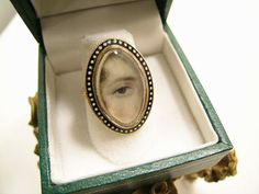 Georgian period eye miniature mourning ring dated 1780.