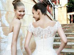 Risultato della ricerca immagini di Google per http://blog.matrimonio.it/wp-content/uploads/2014/05/abiti-raimon-bundo.jpg