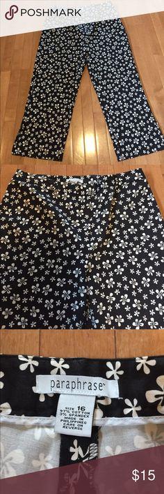 Paraphrase Size 16 Floral Capris Pants Excellent Condition! Size 16 by Paraphrase Paraphrase Pants Capris