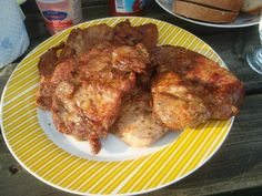 Vše smíchat a plátky krkovičky naložíme do marinády a ponecháme je v ní několik hodin, nejlépe přes noc. Před dalším zpracováním vyjmeme... Tandoori Chicken, Grilling, Pork, Meat, Ethnic Recipes, Kale Stir Fry, Crickets, Grill Party, Pork Chops