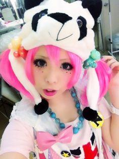 kawaii cute girl dyed hair pink decora japan japanese fashion harajuku