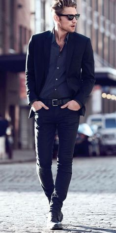 black blazer with black skinny jeans
