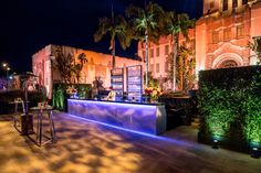 Vanity Fair Oscar Party Exterior bar area - BWArchitects - Designed by the New York City based Architecture firm BWArchitects. Hill City, Vanity Fair Oscar Party, Deck, Exterior, Bar, Architecture, Arquitetura, Front Porches, Outdoor Rooms