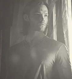 Stunning!! Jared Padalecki as Sam in Supernatural.