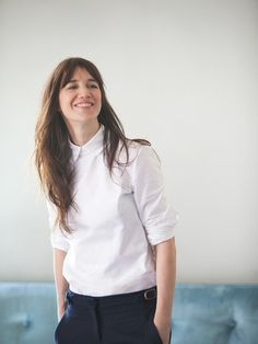 Charlotte Gainsbourg // White shirt & black trousers #style #fashion #bangs #workwear
