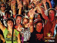 Wollen sie mehr Informationen zur Silent Disco, dann schauen sie einfach mal auf http://www.247disco.de, dort finden sie neben Informationsmaterial auch gleich die Möglichkeit eine Silent Disco kostengünstig auszuleihen. Mit einer solch außergewöhnlichen Kopfhörerparty wird ihre nächste Feier garantiert unvergesslich.silent disco, silent party silent noise, 247rucksackdisco, discosilent disco headphones, Kopfhörerparty, headphone party, silent club,  247 stille disco, leise disco, silence…