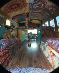 By committing to the van movement, people are making major life decisions. Emptying their parents' bank accounts. Camper Hacks, Bus Camper, Hippie Camper, Camper Life, Bus Life, Camper Trailers, Travel Trailers, Shoes Camper, Camping Vintage