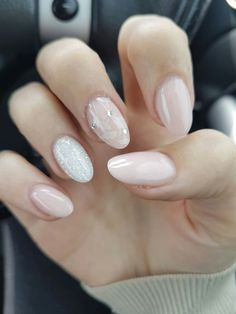 Here are the 100+ Nail Art Patterns Entitled to 2017 that you can switch according to your moods. These are enchanting with looks and easy to apply.