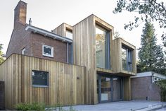 Image 5 of 17 from gallery of Extension of a Post-War House / Lab-S + Kraal Architecten. Photograph by Ed van Rijswijk House Cladding, Timber Cladding, Architecture Old, Architecture Details, Semi Detached, Detached House, House Extension Design, House Design, Modern Wooden House