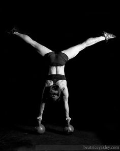 Double kettlebell handstand...i'm on a mission to do this