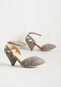Currant Scones Heel in Stone - Grey, Solid, Cutout, Party, Work, Vintage Inspired, 50s, Summer, Mid, Good, Variation, Grey, Neutral, Velvet