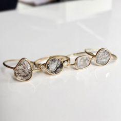beautiful diamond cut rings - love this rough yet precious look ! For the unconventional bride Engagement ring / bague de fiançailles / bijoux