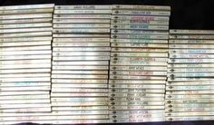 LOT 100 VINTAGE/OLD HARLEQUIN PRESENTS ROMANCE BOOKS (03/26/2011)