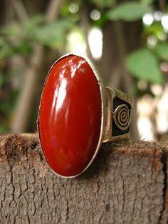 Metal Jewelry, Jewelry Art, Jewelery, Silver Jewelry, Vintage Jewelry, Fine Jewelry, Breitling Navitimer, Black Diamond Jewelry, Diamond Studs