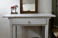 gammalt köksbord med låda : Butik Lanthandeln Ljusgrått gammalt bord med låda SÅLT