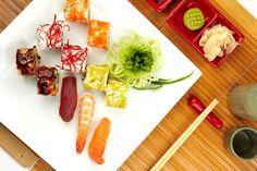 """Popüler gezi rehberi """"Lonely Planet"""" yemekleriyle ünlü 10 ülkeyi seçti. İlk sırayı Tayland aldı. Tayland Hindistan ve Çin'in arasında yer alan Tayland'ın yemeklerinde bu arada kalmışlığın tatlarını bulmak mümkün. Bir yanda Hindistan'ın egzotik baharatları diğer yanda Çin usulü erişte ve çorbalar… Bu farklı tatların birleşmesinden denge kuran Tayland mutfağı, yemeklere canlılık veren tatlı, tuzlu, ekşi"""