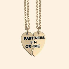 I NEED THIS NECKLACE FORGET MY FRIEND HAVING THE OTHER HALF I NEED THIS FOR MYSELF!