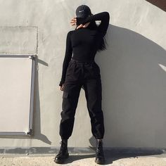 Hello, This is women on Black. All the pictures you are about to see are pictures of beautiful women on black outfits. These black outfits are so alluring. You can actually imagine how beautiful you would look on them. Egirl Fashion, Teen Fashion Outfits, Edgy Outfits, Cute Casual Outfits, Korean Outfits, Mode Outfits, Retro Outfits, Grunge Outfits, Girl Outfits
