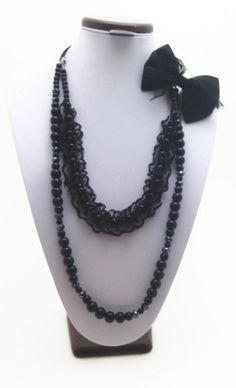 long black guipure and bow necklace  New by Themagicofcolors, $25.00