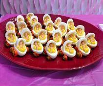 Babyshower hapjes met eier-kinderwagens