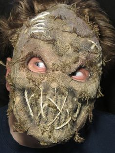 I wonder if I could figure out how to make this Burlap mask