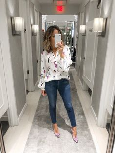 Adore this look! Modest Casual Outfits, Loft Outfits, Office Outfits Women, Business Casual Outfits, Professional Outfits, Cute Outfits, Business Casual With Jeans, Jeans Outfit For Work, Work Attire