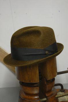 c39076bb Vintage 60's Brown Fur Felt Short Rimmed Fedora Trilby Hat Royal Stetson EU  57 UK 7 US 7 1/8