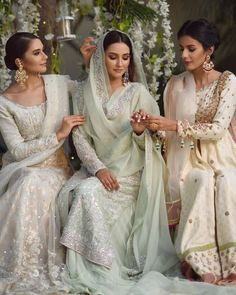 A great range of shararas available at Tanushavy Couture store. Asian Wedding Dress, Pakistani Wedding Outfits, Pakistani Bridal Dresses, Pakistani Wedding Dresses, Pakistani Dress Design, Bridal Outfits, Indian Dresses, Indian Outfits, Bollywood Wedding